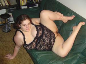 Grosse jeune femme en lingerie cherche plan baise pour un soir