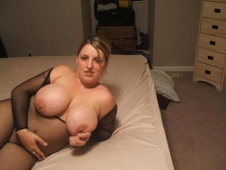 Plan sexe avec une femme à gros seins