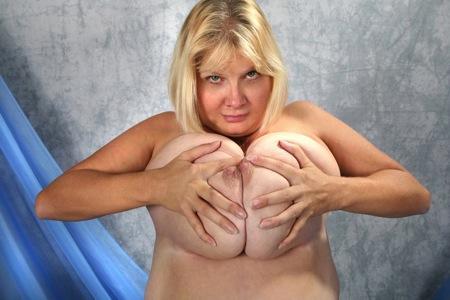 Grosse blonde veut un amant viril