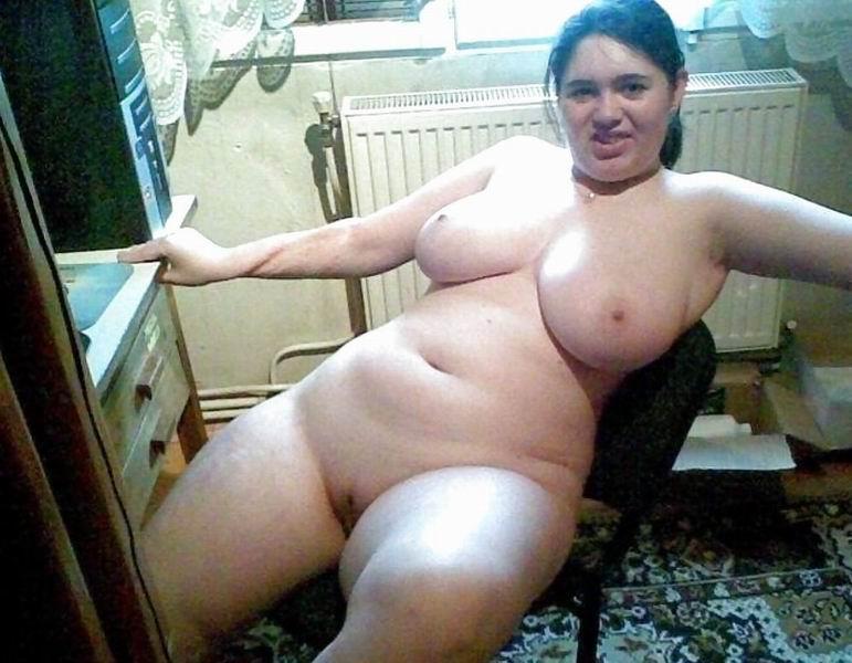 Nana grassouillette en manque cherche mec viril