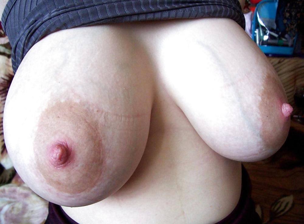 Tu aimes les gros seins naturels ?